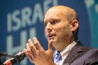 Беннет: антисемитизм не исчезнет, но можно с ним бороться
