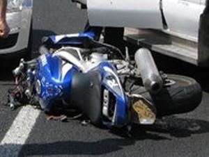 Тель-Авив: мотоциклист сбит грузовиком