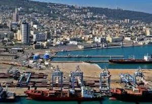 Хайфа: из цистерны в порту произошла утечка опасного вещества