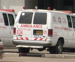 Петах-Тиква: 30-летний велосипедист тяжело ранен в ДТП