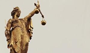 Расследование коррупции подбирается к Нетаниягу