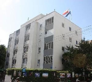 В Тель-Авиве проходит акция протеста у Посольства Польши