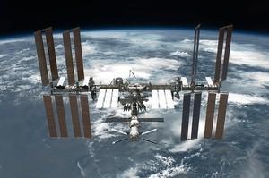 Российские космонавты вышли в космос и разместили антенну в неправильном направлении
