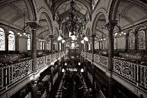 Азербайджан помогает отстроить синагогу в США