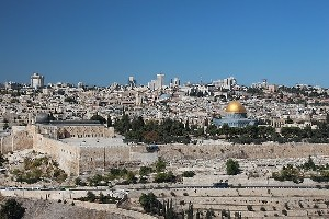 Аббас недоволен налоговыми изменениями для церквей Иерусалима