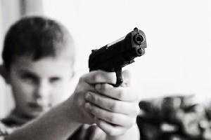 Разведка засняла, как боевики ИГ учат воевать детей