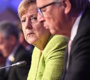 Меркель признала, что в Германии есть места, куда немцам лучше не ходить