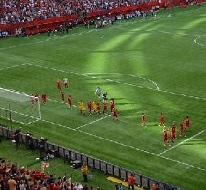 В ФИФА пообещали решить проблему посещения женщинами стадионов в Иране