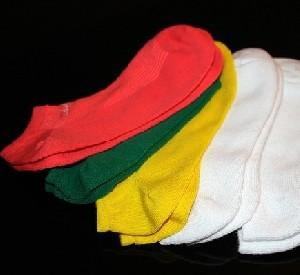 Польская компания отказалась от идеи продавать носочки с Адольфом