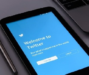 «Twitter» заблокировал страницу члена Кнессета