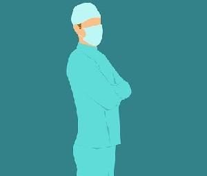 Известный хирург издевается над сотрудниками-евреями