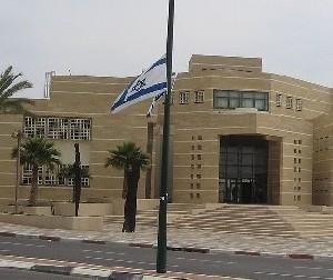Жизнь в Южном Израиле приходит в норму