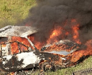 Вандалы сожгли автомобиль на Западном берегу
