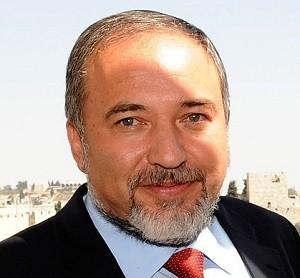 Либерман обещает построить новый дом для евреев в Хевроне