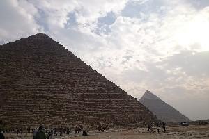В Египте арестованы два человека, оказавшие помощь в организации съемки с обнаженкой на Великой Пирамиде