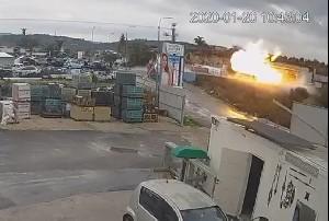 В гараже бензовозов произошел сильный взрыв