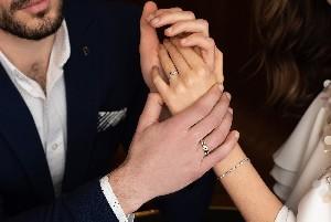 Настало время: идеальные обручальные кольца для любящих сердец