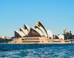 Австралия подумывает об открытии границ